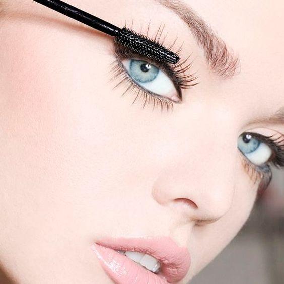 dicas-de-maquiagem-para-cilios-mais-longos-img-1