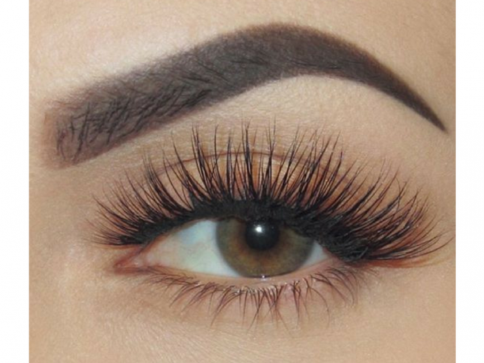 false eyelashes | eyelashes | beauty tips | beauty | make up | eyelashes longer | tips to get pretty eyelashes