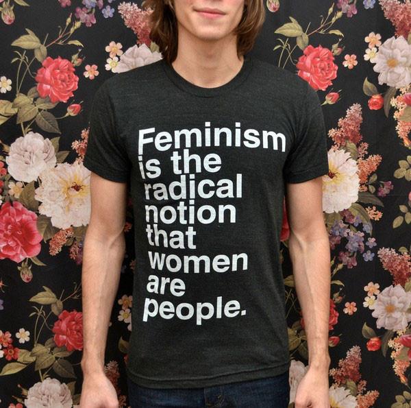 Camisetas Com Frases Feministas Tomam Conta De Looks De Rua A